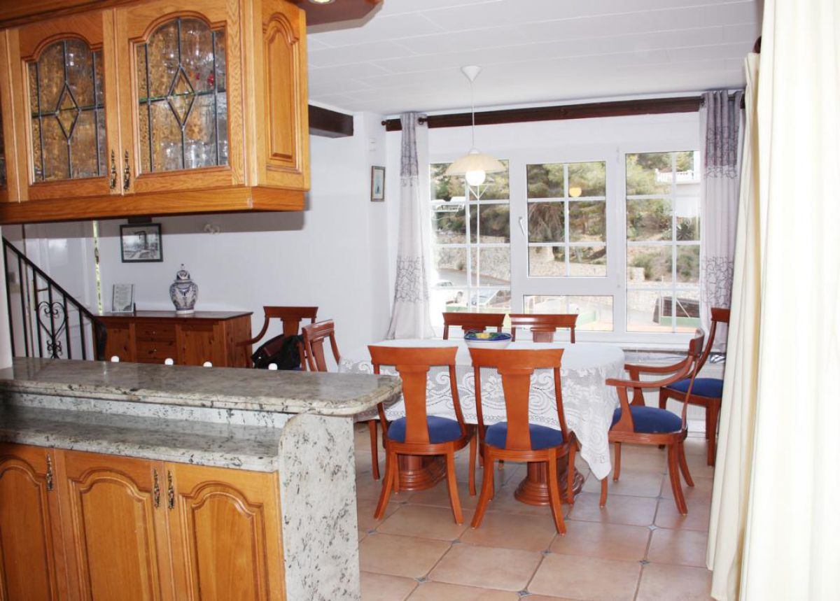 Cozy villa only 1 km from the beach