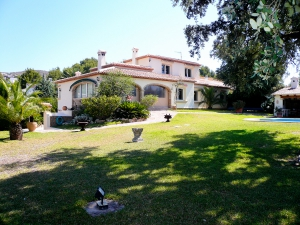 Majestic villa at the foot of the Montgo in Javea