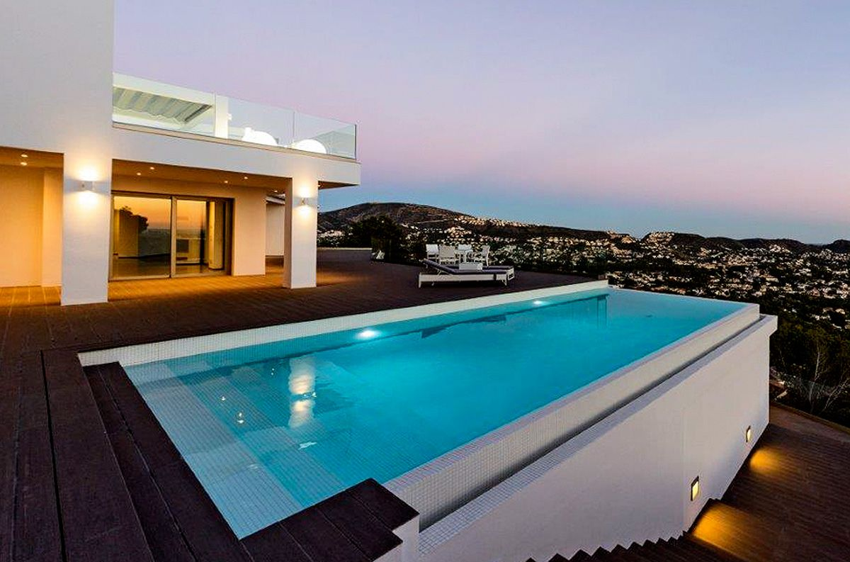 Luxury Villa with stunning sea view in Moraira for sale